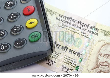 Credit Card Reader on 500 Rupee Note