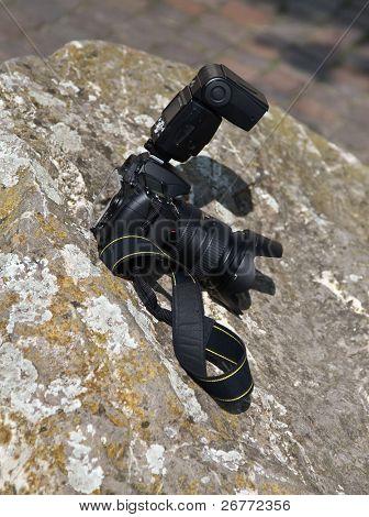 Semi-Professional Digital SLR with flash