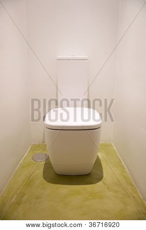 Ceramic White Watercloset