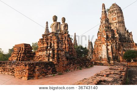 Wat Chaiwatthanaram, Ancient Temple At Ayutthaya, Thailand.