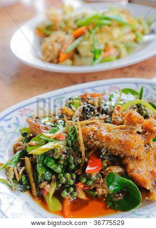 Thai Spicy Fried Fish and herb