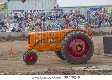 Minneapolis Moline Tractor Pulling