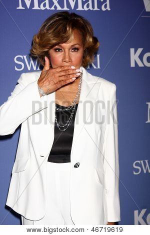 LOS ANGELES - JUN 12:  Diahann Carroll arrives at the Crystal and Lucy Awards 2013 at the Beverly Hilton Hotel on June 12, 2013 in Beverly Hills, CA