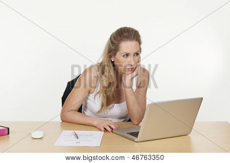 Female Executive Not Able To Concentrate On Work