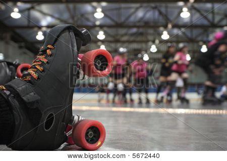 Queda de Skater Roller Derby
