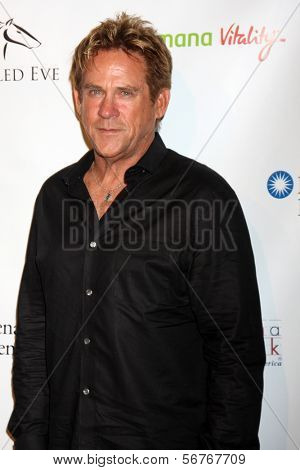 LOS ANGELES - 9 de JAN: Michael Dudikoff na festa no prelúdio