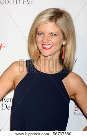 LOS ANGELES - 9 de JAN: Arden Myrin na festa