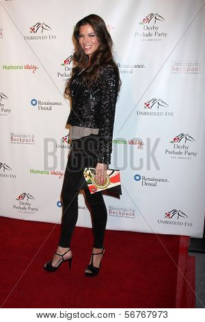 LOS ANGELES - 9 de JAN: Adrienne Janic na festa