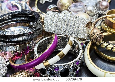 Fashionable Women's Jewelry