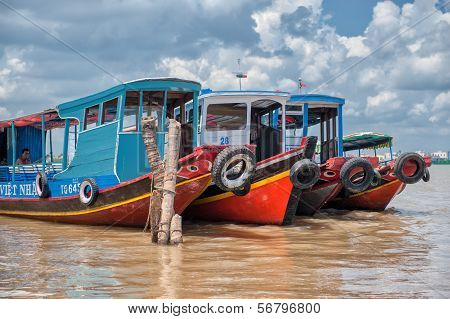 Mekong riverboats