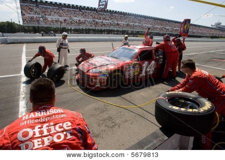 Nascar:  Aug 03 Sunoco Red Cross Pennsylvania 500
