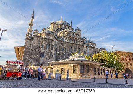 New Mosque Yeni Cami corner