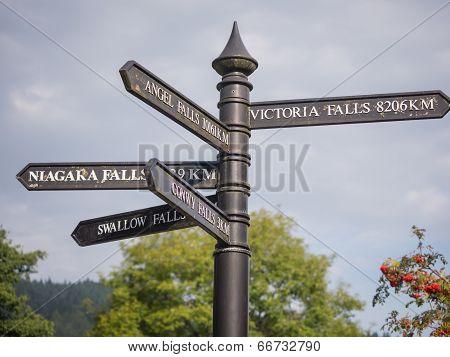 Steet signs in Snowdonia, Wales