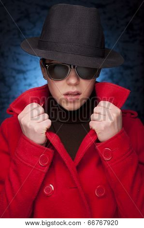 Fashion Girl With Sun Glasses