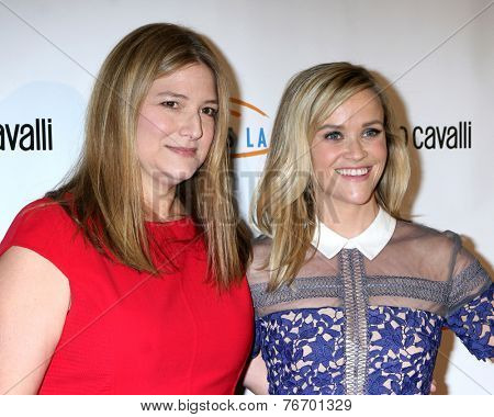 LOS ANGELES - NOV 21:  Bruna Papandrea, Reese Witherspoon at the Lupus LA Bag Ladies Luncheon at the Beverly Hilton Hotel on November 21, 2014 in Beverly Hills, CA