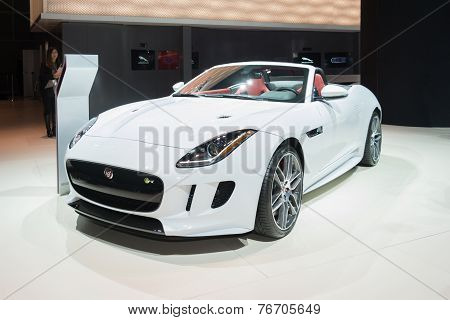 Jaguar F-type Convetible 2016 On Display