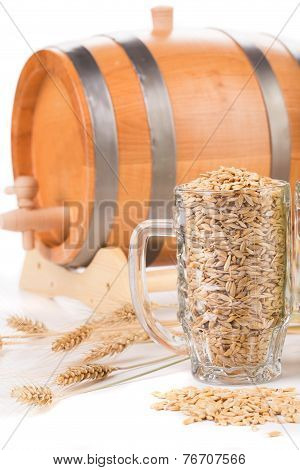 Beer barrel with beer glass