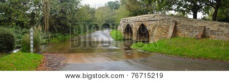 Sutton Splash and Historic Packhorse Bridge Bedfordshire