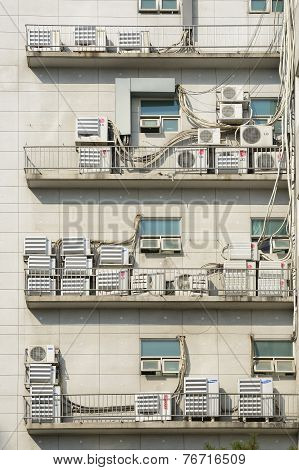 Seoul, Korea - March 24, 2014: Lots Of Outdoor Unit Of Airconditioner On A Wall Of Building In A Cit