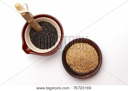 black sesame and white sesam