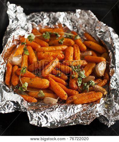 Baked Carrots With Garlic And Oregano