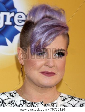 LOS ANGELES - NOV 22:  Sharon Osbourne, Kelly Osbourne at the FOX's