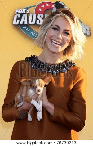 LOS ANGELES - NOV 22:  Julianne Hough at the FOX's