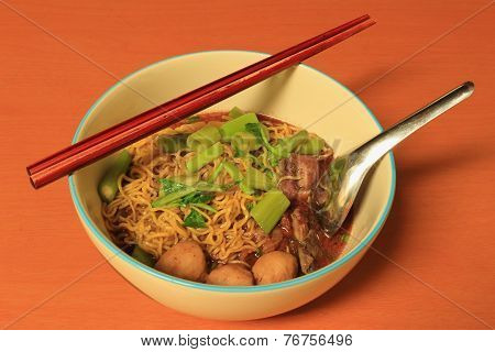Egg Noodle with Thicken Soup