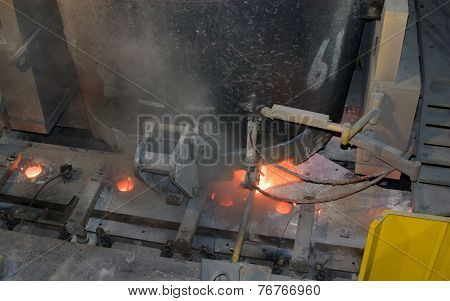 Continuous casting steel ladle and tundish.