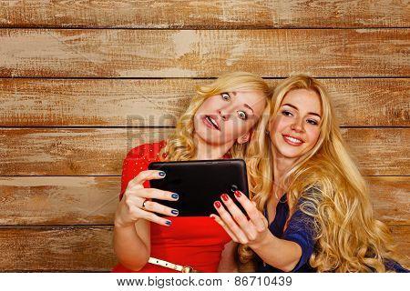 Sisters Communicate In Social Networks, Selfie