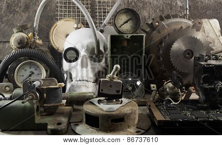 Mechanical skull and parts.