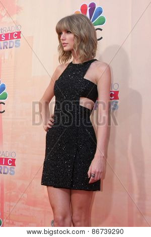 LOS ANGELES - MAR 29:  Taylor Swift at the 2015 iHeartRadio Music Awards  at the Shrine Auditorium on March 29, 2015 in Los Angeles, CA