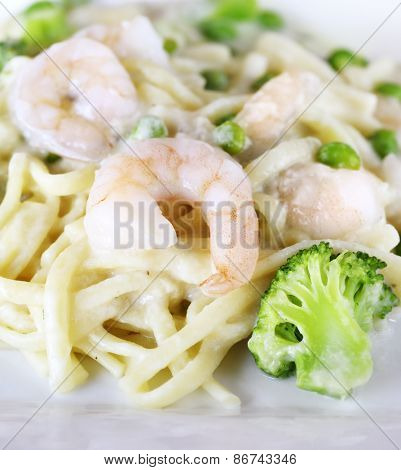 Pasta with Shrimps And Vegetables