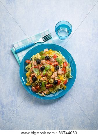 pasta with salmon zucchinis capsicum olives and tomatoes