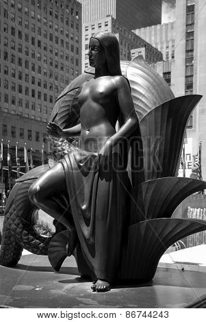 Bronze Statue at 30 Rock