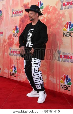 LOS ANGELES - MAR 29:  Boy George at the 2015 iHeartRadio Music Awards at the Shrine Auditorium on March 29, 2015 in Los Angeles, CA