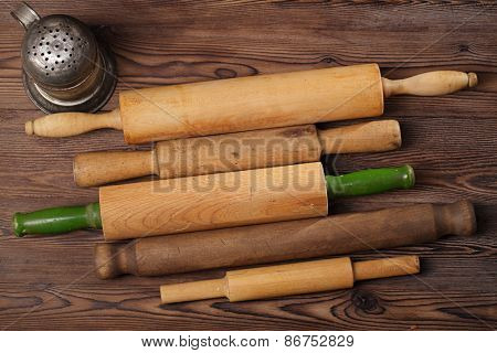 Vintage  Baking utensils collection - rolling pins and flour sifter