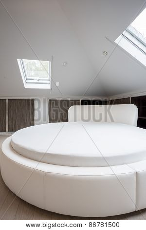 Round Spacious Bed In Designed House