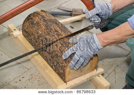 Carpenter Begins To Manufacture Birdhouse