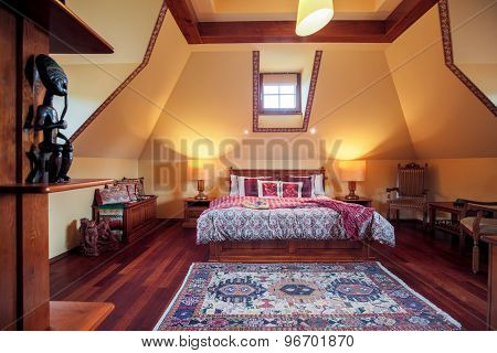 Bedroom In Colonial Style