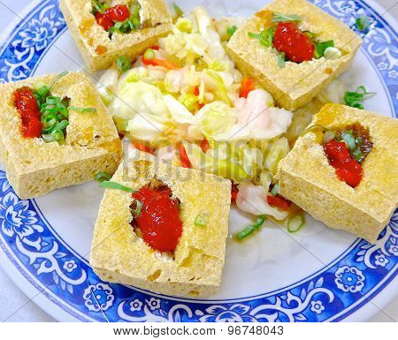 The closeup of fried stinky tofu