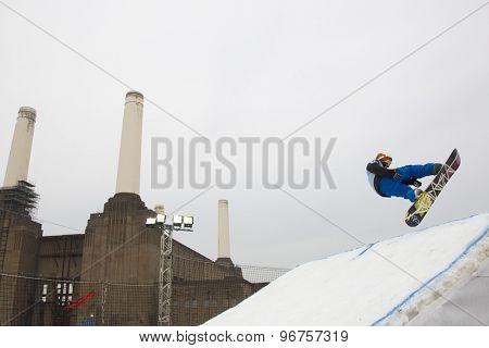 LONDON, ENGLAND. October 30 2009 A competitor in the Battle of Britain Big Air snowboard competition at the London Freeze snowboard and freestyle skiing event.