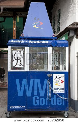 GARMISCH PARTENKIRCHEN, GERMANY. Feb 04 2011: Preview images for the 2011 Alpine skiing World Championships. One of the original gondolas from the area