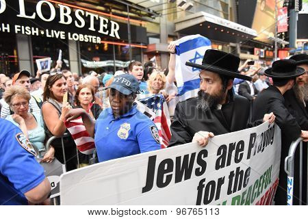 NYPD separate Neturei Karta