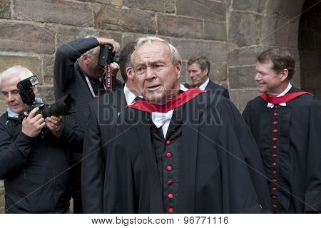 ST ANDREWS, SCOTLAND. July 13 2010: Arnold Palmer and Tom Watson during the parade to the university in order for the honorary awards to Padraig HARRINGTON Tom Watson, and Arnold Palmer