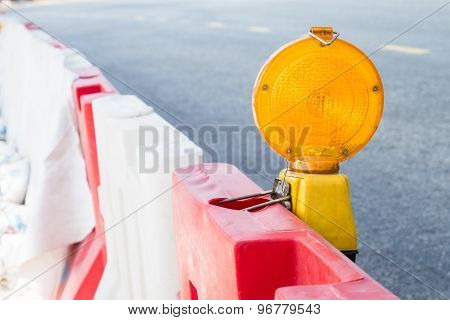 Construction site hazard warning light for safety