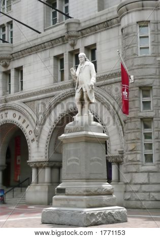 Ben Franklin'S Statue (Wasington Dc)