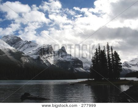 Mt. Paul And Spirit Island, Maligne Lake - Jasper National Park, Alberta, Canada