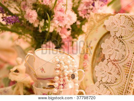 Tazas de té Vintage, estatuilla del bailarín de ballet, marco y flores