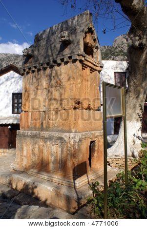 Sarcophagus In Kash